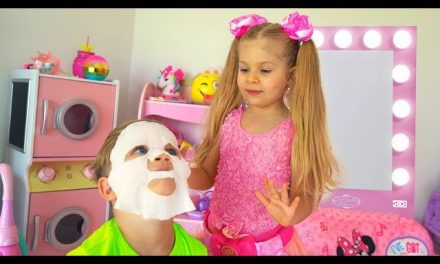 Diana Pretend Play Beauty Salon with Kids Make up Toys