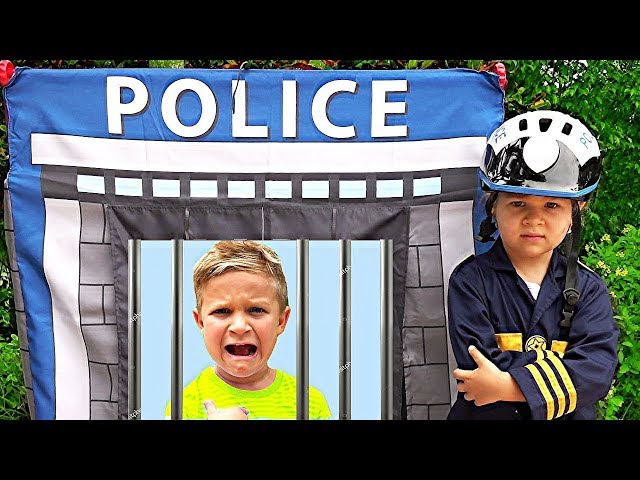Roma and Diana Pretend Play Police & learn good habits for kids!