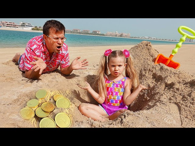 Diana and Roma on the beach! Playing with Sand and other Kids Toys