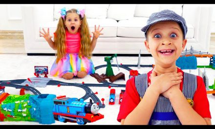 Diana and Roma play with Thomas & Friends toys for kids