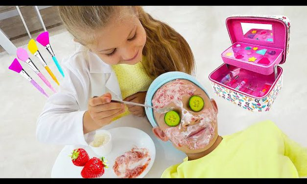 Diana pretends to have her own Beauty Salon with New Kids Makeup kits!