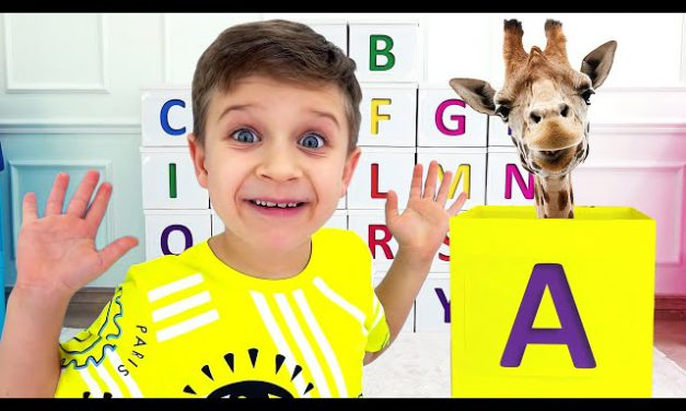Roma and Diana learn the alphabet / ABC song
