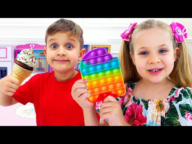 Diana and Roma play Pop It Challenge